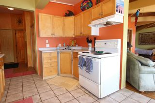 Photo 13: 7748 Squilax Anglemont Road: Anglemont House for sale (North Shuswap)  : MLS®# 10229749