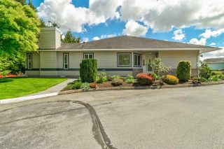 """Photo 2: 50 5550 LANGLEY Bypass in Langley: Langley City Townhouse for sale in """"Riverwynde"""" : MLS®# R2582599"""