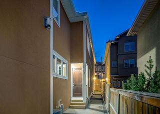 Photo 2: 2 2423 29 Street SW in Calgary: Killarney/Glengarry Row/Townhouse for sale : MLS®# A1098921