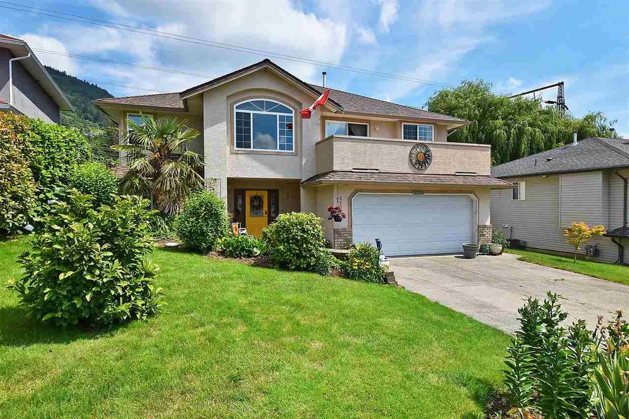 Main Photo: 36349 COUNTRY Place in Abbotsford: Abbotsford East House for sale : MLS®# R2489555