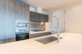 """Photo 13: 506 181 W 1ST Avenue in Vancouver: False Creek Condo for sale in """"Brook - The Village on False Creek"""" (Vancouver West)  : MLS®# R2528507"""