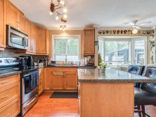 """Photo 7: 5 11534 207 Street in Maple Ridge: Southwest Maple Ridge Townhouse for sale in """"Brittany Court"""" : MLS®# R2439867"""