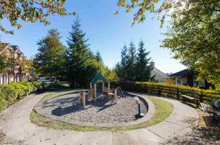 Photo 15: 32 15 FOREST PARK Way in Port Moody: Heritage Woods PM Townhouse for sale : MLS®# R2209452