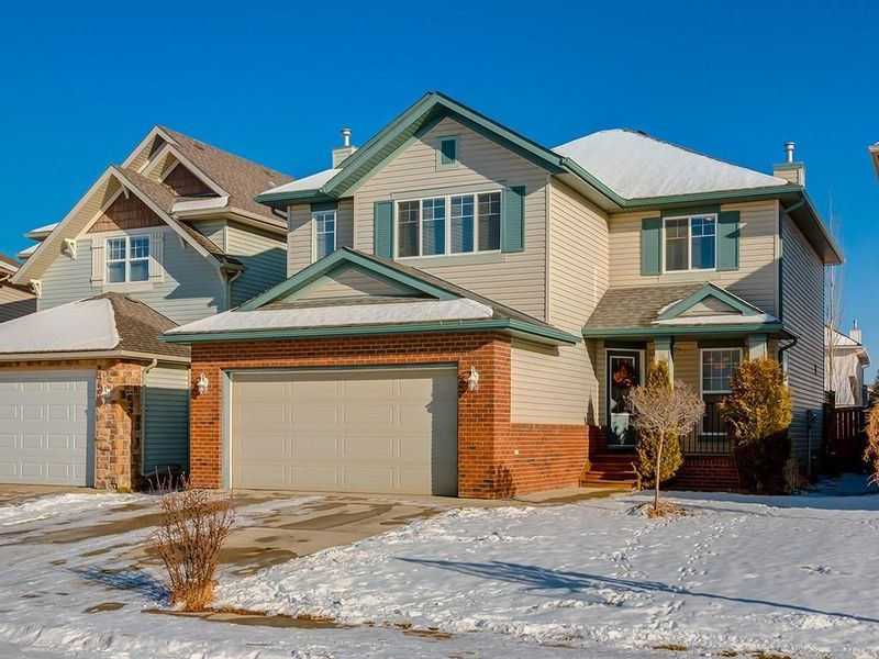 FEATURED LISTING: 139 WENTWORTH Circle Southwest Calgary
