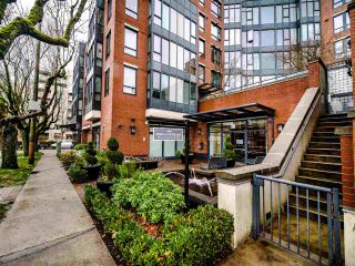 """Photo 2: 325 3228 TUPPER Street in Vancouver: Cambie Condo for sale in """"Olive"""" (Vancouver West)  : MLS®# R2520411"""