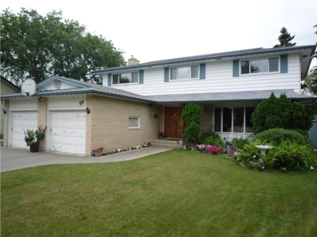 Main Photo: 39 BRIDGEWATER Crescent in WINNIPEG: North Kildonan Residential for sale (North East Winnipeg)  : MLS®# 1012021
