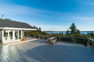 Photo 2: 4111 BURKEHILL Road in West Vancouver: Bayridge House for sale : MLS®# R2563402
