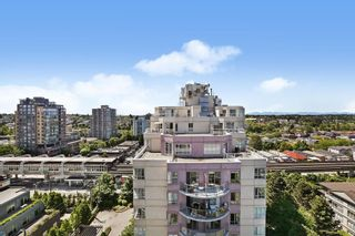 """Photo 16: 1404 3489 ASCOT Place in Vancouver: Collingwood VE Condo for sale in """"Regent Court"""" (Vancouver East)  : MLS®# R2587814"""