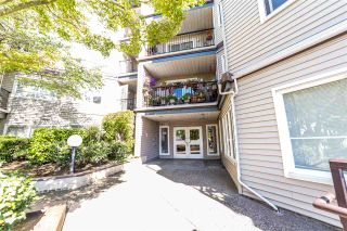 """Photo 22: 401 5765 GLOVER Road in Langley: Langley City Condo for sale in """"College Court"""" : MLS®# R2493254"""