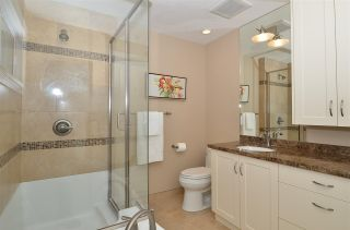 """Photo 7: 15478 COLUMBIA Avenue: White Rock House for sale in """"Hillside"""" (South Surrey White Rock)  : MLS®# R2572155"""