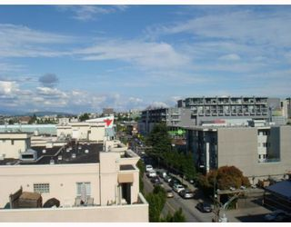 """Photo 2: 702 587 W 7TH Avenue in Vancouver: Fairview VW Condo for sale in """"AFFINITI"""" (Vancouver West)  : MLS®# V772091"""
