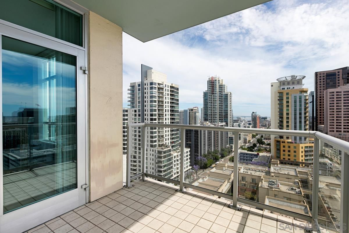 Main Photo: DOWNTOWN Condo for rent : 2 bedrooms : 850 Beech St #1504 in San Diego