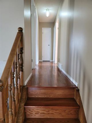 Photo 5: 51 whitworth Road NE in Calgary: Whitehorn Detached for sale : MLS®# A1128067