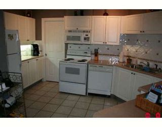 """Photo 2: 308 34101 OLD YALE Road in Abbotsford: Central Abbotsford Condo for sale in """"YALE TERRACE"""" : MLS®# F2908815"""