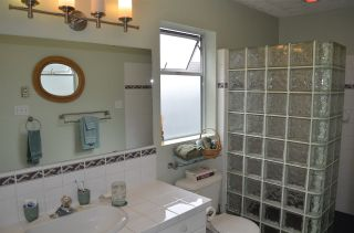 """Photo 11: 1524 CYPRESS Way in Gibsons: Gibsons & Area House for sale in """"WOODCREEK"""" (Sunshine Coast)  : MLS®# R2493228"""
