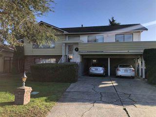Photo 1: 9640 SNOWDON Avenue in Richmond: South Arm House for sale : MLS®# R2438920