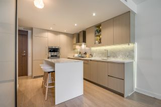 """Photo 3: 507 89 NELSON Street in Vancouver: Yaletown Condo for sale in """"The Arc"""" (Vancouver West)  : MLS®# R2579988"""