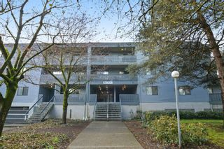 "Photo 2: 311 17661 58A Avenue in Surrey: Cloverdale BC Condo for sale in ""WYNDHAM ESTATES"" (Cloverdale)  : MLS®# R2158983"