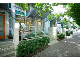 """Main Photo: 1223 ALBERNI Street in Vancouver: West End VW Townhouse for sale in """"Residences on Georgia"""" (Vancouver West)  : MLS®# V843593"""