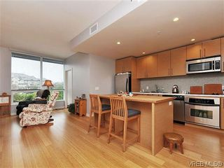 Photo 6: 302 399 Tyee Rd in VICTORIA: VW Victoria West Condo for sale (Victoria West)  : MLS®# 637735
