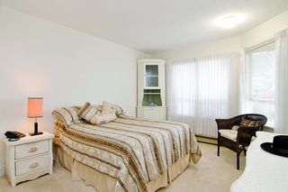 "Photo 8: 201 121 W 29TH Street in North Vancouver: Upper Lonsdale Condo for sale in ""Somerset Green"" : MLS®# R2066610"