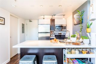 """Photo 13: 302 1 E CORDOVA Street in Vancouver: Downtown VE Condo for sale in """"CARRALL ST STATION"""" (Vancouver East)  : MLS®# R2502376"""