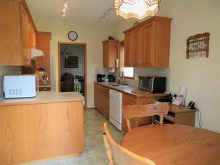 Photo 12: 24 Shannon Estates Terrace SW in Calgary: Shawnessy Row/Townhouse for sale : MLS®# A1102178