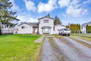 """Photo 2: 17359 58 Avenue in Surrey: Cloverdale BC House for sale in """"CLOVERDALE"""" (Cloverdale)  : MLS®# R2550823"""