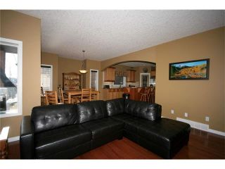 Photo 8: 52 BOW RIDGE Drive: Cochrane House for sale : MLS®# C4066881