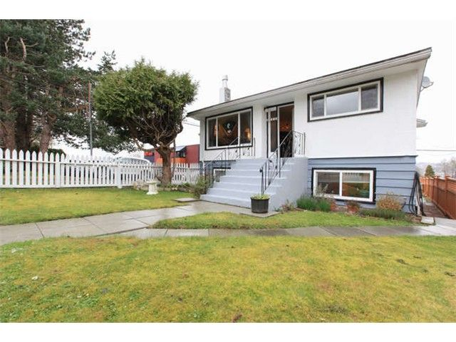 Main Photo: 3723 MANOR Street in Burnaby: Central BN House for sale (Burnaby North)  : MLS®# V1110278