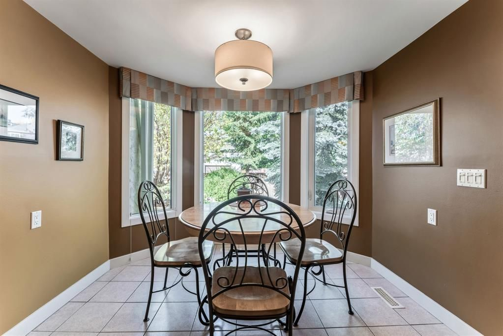 Photo 20: Photos: 84 WOODBROOK Close SW in Calgary: Woodbine Detached for sale : MLS®# A1037845