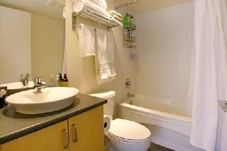 """Photo 7: 907 155 W 1ST Street in North Vancouver: Lower Lonsdale Condo for sale in """"Time"""" : MLS®# R2086762"""
