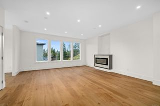 Photo 4: 111 539 Delora Dr in : Co Royal Bay Row/Townhouse for sale (Colwood)  : MLS®# 852470