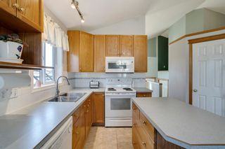 Photo 4: 164 Coventry Circle NE in Calgary: Coventry Hills Detached for sale : MLS®# A1102725