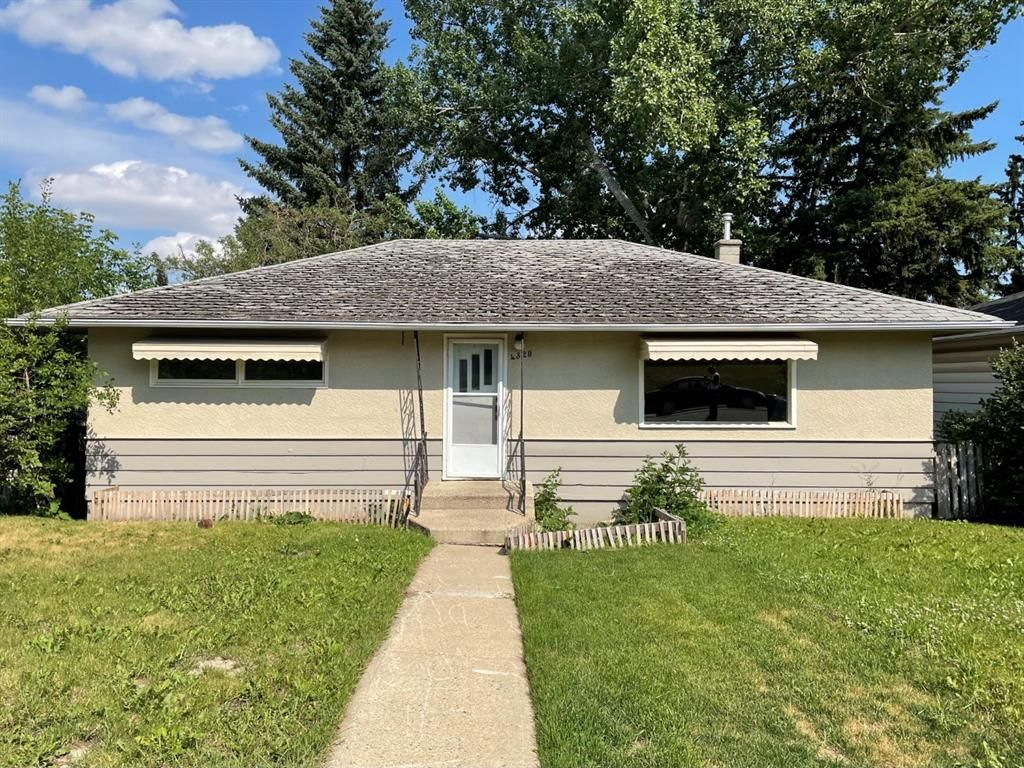 Main Photo: 4320 Centre A Street NE in Calgary: Highland Park Detached for sale : MLS®# A1124730