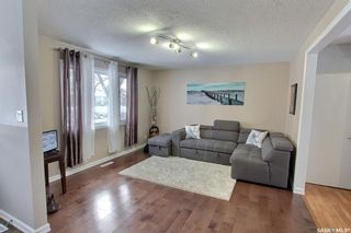 Photo 2: 582 24th Street East in Prince Albert: East Hill Residential for sale : MLS®# SK840418