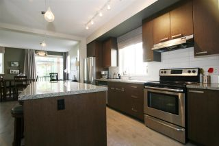 Photo 2: 5 14838 61 AVENUE in Surrey: Sullivan Station Townhouse for sale : MLS®# R2101998