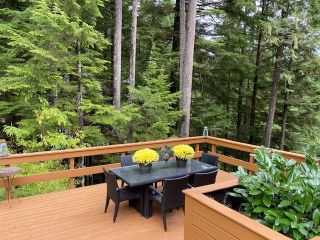 """Photo 18: 1065 UPLANDS Drive: Anmore House for sale in """"UPLANDS"""" (Port Moody)  : MLS®# R2617744"""