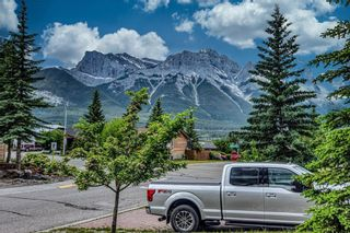 Photo 3: 302 Pioneer Road: Canmore Detached for sale : MLS®# A1130498