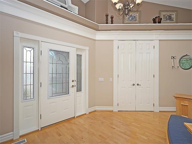 Photo 19: Photos: 315 MT DOUGLAS Court SE in Calgary: McKenzie Lake House for sale : MLS®# C4068873