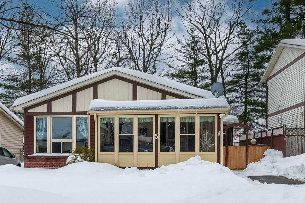 Main Photo: 5 Kipling Place Place in Barrie: Letitia Heights House (Bungalow) for sale : MLS®# S5126060