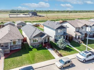 Photo 3: 926 Glenview Cove in Martensville: Residential for sale : MLS®# SK863344