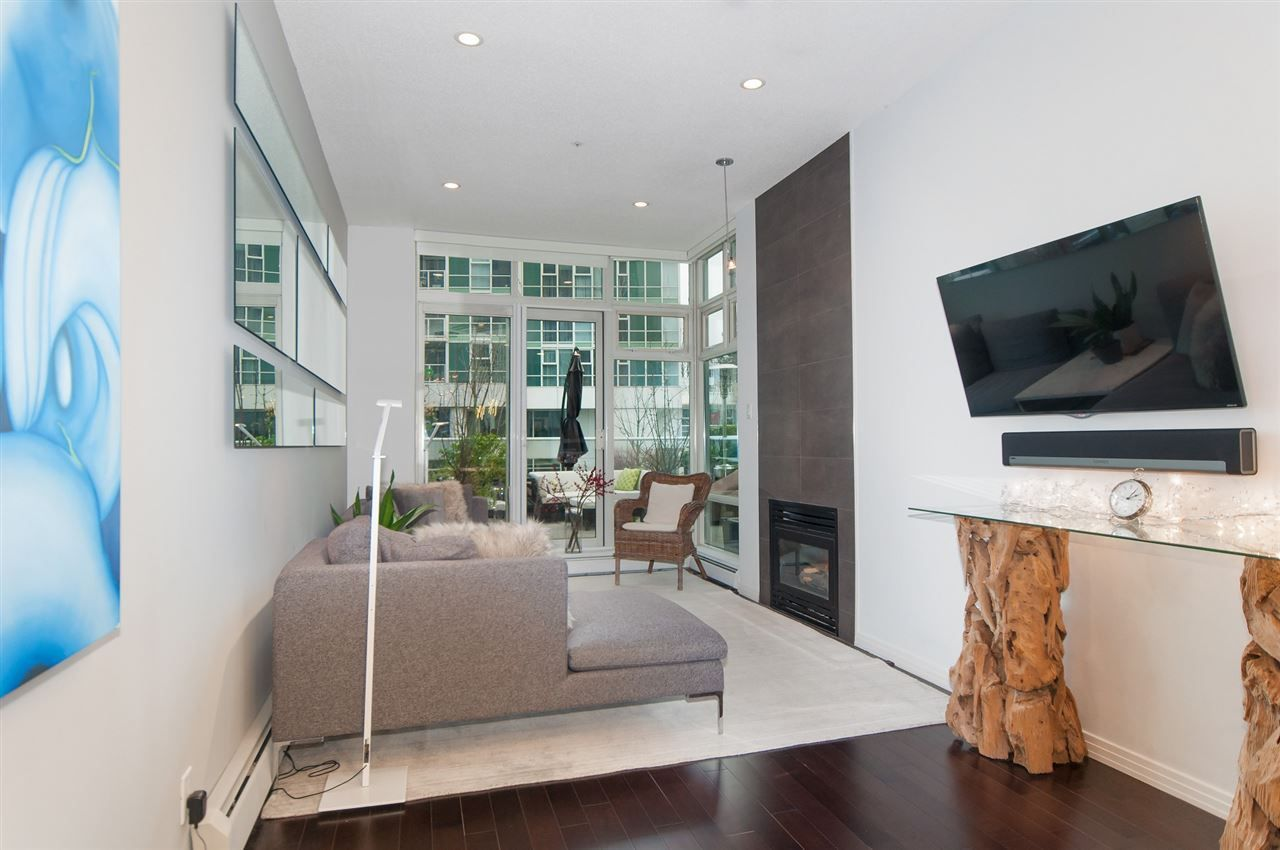Photo 5: Photos: 302 198 AQUARIUS MEWS in Vancouver: Yaletown Condo for sale (Vancouver West)  : MLS®# R2231023