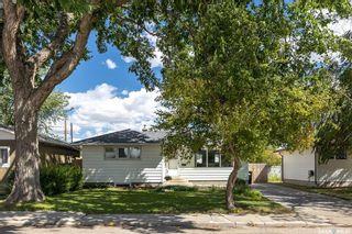 Photo 2: 410 Winnipeg Avenue South in Saskatoon: Meadowgreen Residential for sale : MLS®# SK866700