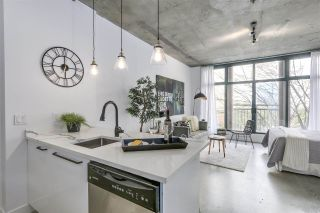 """Photo 11: 209 22 E CORDOVA Street in Vancouver: Downtown VE Condo for sale in """"Van Horne"""" (Vancouver East)  : MLS®# R2252419"""