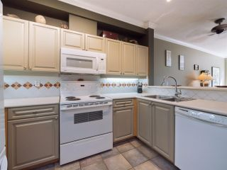 "Photo 5: 106 5800 ANDREWS Road in Richmond: Steveston South Condo for sale in ""VILLAS"" : MLS®# R2298552"