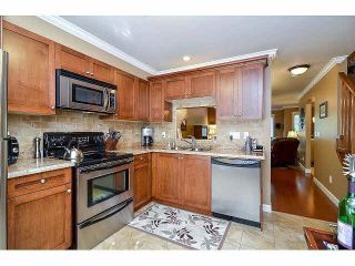 """Photo 7: 18 6238 192ND Street in Surrey: Cloverdale BC Townhouse for sale in """"BAKERVIEW TERRACE"""" (Cloverdale)  : MLS®# F1420554"""