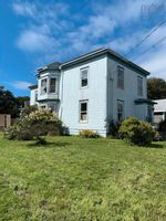 Main Photo: 164 Pleasant Street in Yarmouth: Town Central Multi-Family for sale : MLS®# 202126408