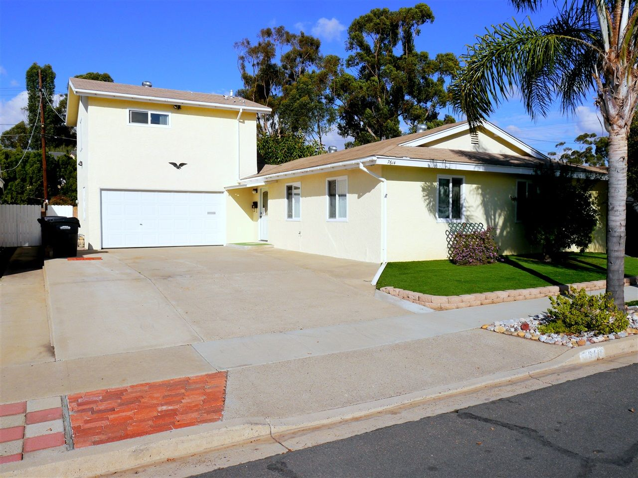 Main Photo: House for sale : 4 bedrooms : 7614 Beal St. in San Diego