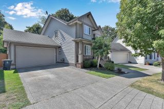 """Photo 3: 6921 179 Street in Surrey: Cloverdale BC House for sale in """"Provinceton"""" (Cloverdale)  : MLS®# R2611722"""